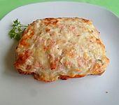 Toast mit Schinken-Käse Creme überbacken