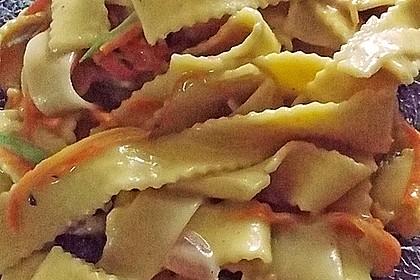 Pasta mit Gemüsejulienne und Erdnusssoße 10