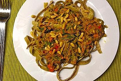 Pasta mit Gemüsejulienne und Erdnusssoße 11