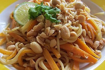 Pasta mit Gemüsejulienne und Erdnusssoße 5