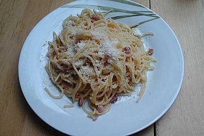 Spaghetti alla carbonara 32