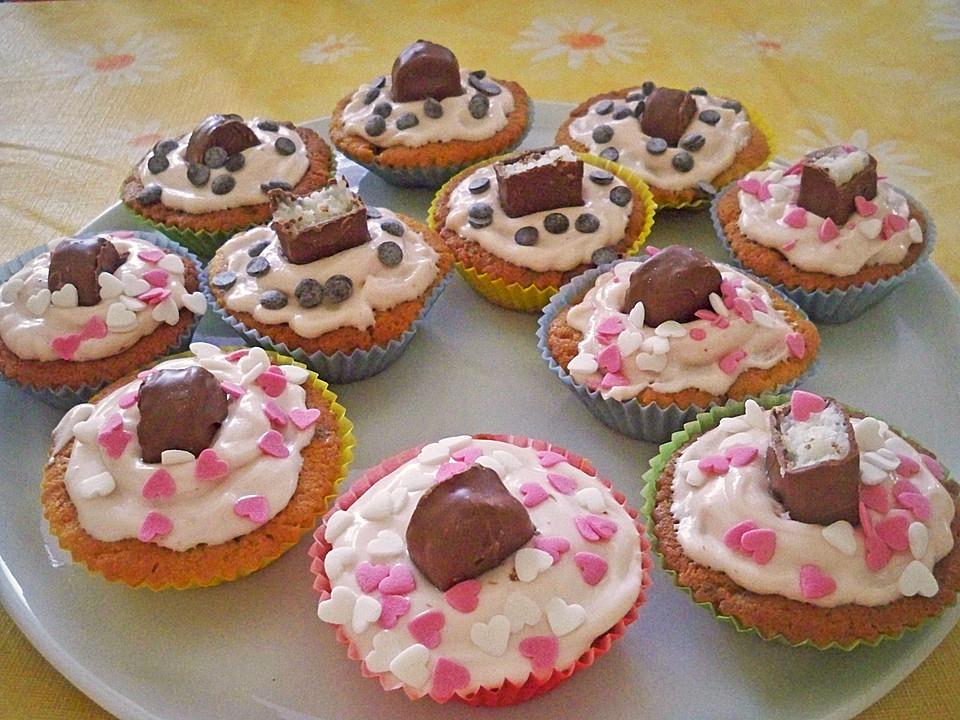 leckere bounty cupcakes mit erdbeerfrosting rezept mit bild. Black Bedroom Furniture Sets. Home Design Ideas