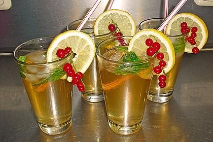 Alkoholfreier Cocktail mit Kräuterlimonade 2