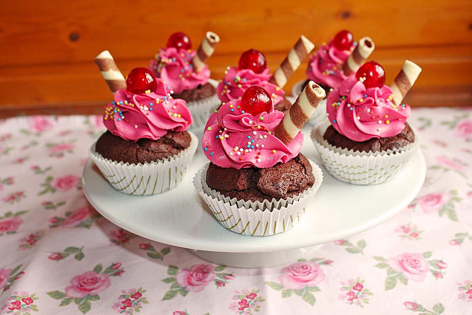 schokoladen kirsch cupcakes von rogue81. Black Bedroom Furniture Sets. Home Design Ideas