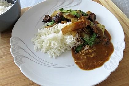 Scharfe Erdnusssoße Thai-Art