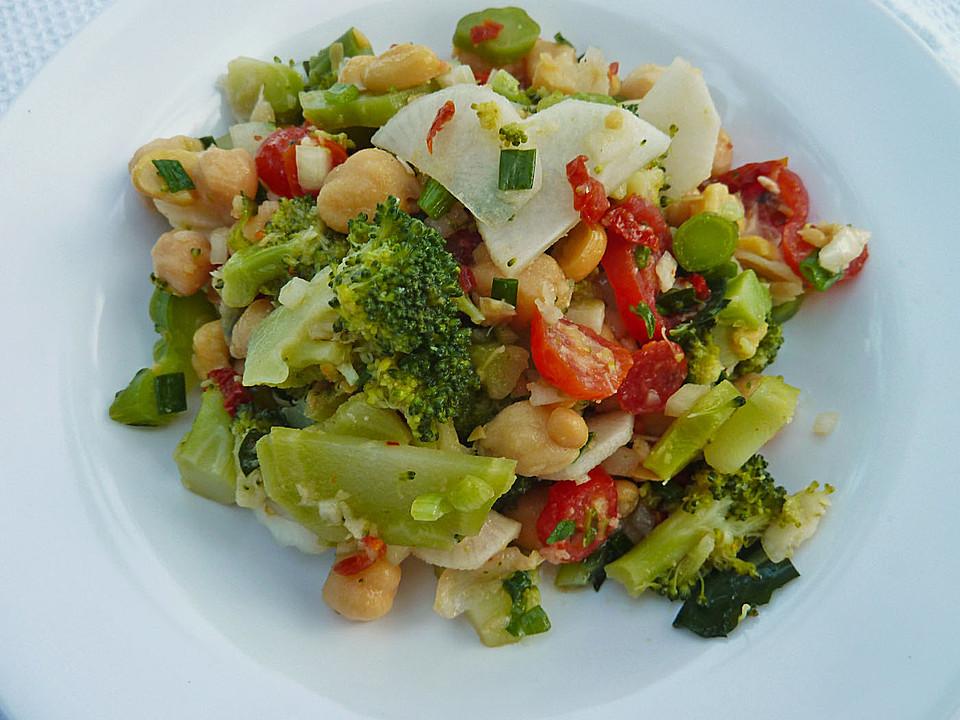 asiatischer brokkoli salat vegetarisch. Black Bedroom Furniture Sets. Home Design Ideas