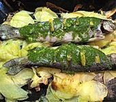 Kräuterforelle mit Bratkartoffeln (Bild)