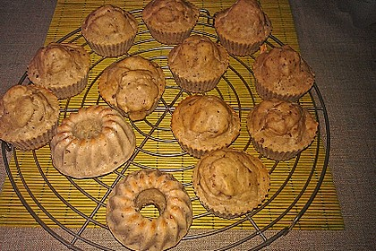 Skinny Banana Nut Muffins 4