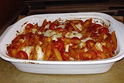 Cremiger Nudelauflauf mit Tomaten und Mozzarella 87
