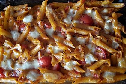 Cremiger Nudelauflauf mit Tomaten und Mozzarella 16