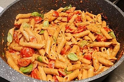 Cremiger Nudelauflauf mit Tomaten und Mozzarella 117