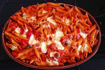 Cremiger Nudelauflauf mit Tomaten und Mozzarella 37