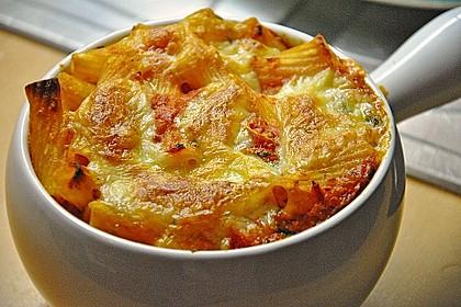 Cremiger Nudelauflauf mit Tomaten und Mozzarella 14