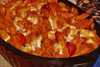 Cremiger Nudelauflauf mit Tomaten und Mozzarella 45