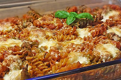 Cremiger Nudelauflauf mit Tomaten und Mozzarella 17