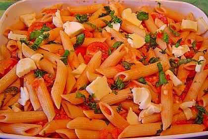 Cremiger Nudelauflauf mit Tomaten und Mozzarella 10