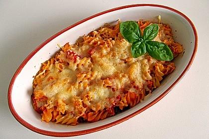 Cremiger Nudelauflauf mit Tomaten und Mozzarella 5