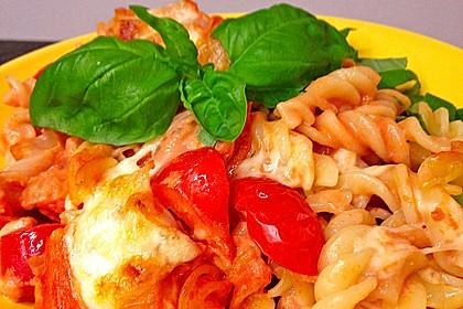 Cremiger Nudelauflauf mit Tomaten und Mozzarella 2