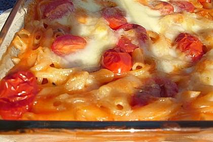 Cremiger Nudelauflauf mit Tomaten und Mozzarella 53