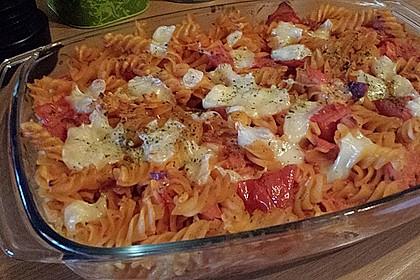 Cremiger Nudelauflauf mit Tomaten und Mozzarella 47