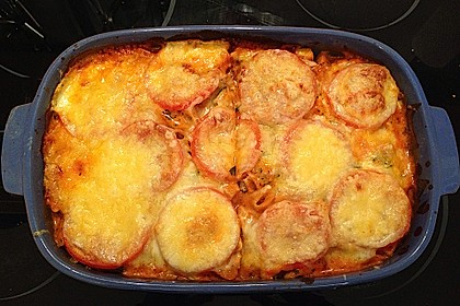 Cremiger Nudelauflauf mit Tomaten und Mozzarella 97