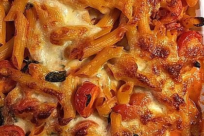 Cremiger Nudelauflauf mit Tomaten und Mozzarella 49