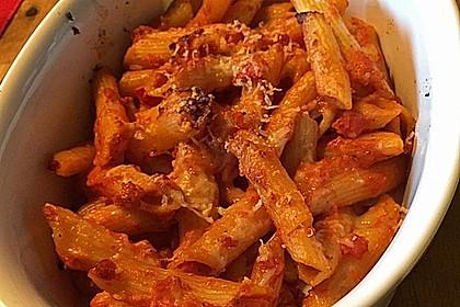 Cremiger Nudelauflauf mit Tomaten und Mozzarella 144