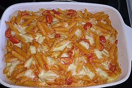 Cremiger Nudelauflauf mit Tomaten und Mozzarella 64