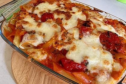 Cremiger Nudelauflauf mit Tomaten und Mozzarella 80