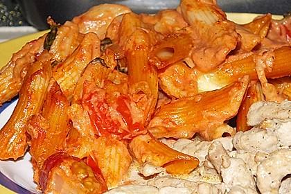 Cremiger Nudelauflauf mit Tomaten und Mozzarella 120