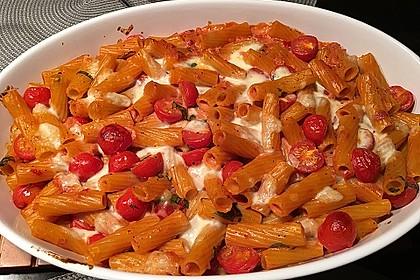 Cremiger Nudelauflauf mit Tomaten und Mozzarella 33