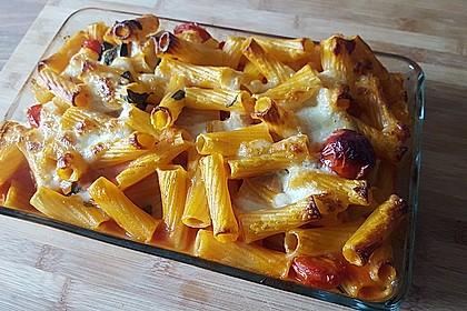 Cremiger Nudelauflauf mit Tomaten und Mozzarella 105