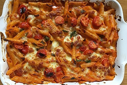Cremiger Nudelauflauf mit Tomaten und Mozzarella 62