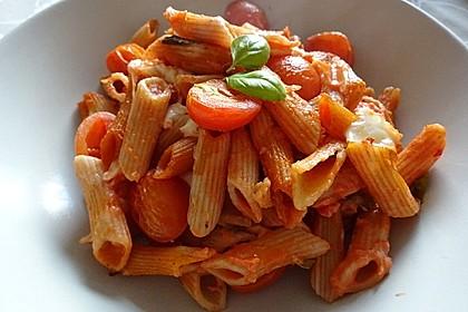 Cremiger Nudelauflauf mit Tomaten und Mozzarella 21