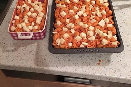 Cremiger Nudelauflauf mit Tomaten und Mozzarella 99
