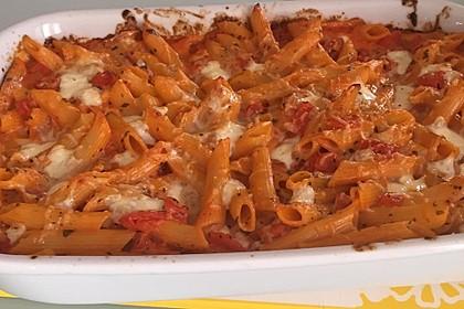 Cremiger Nudelauflauf mit Tomaten und Mozzarella 110