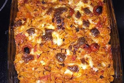 Cremiger Nudelauflauf mit Tomaten und Mozzarella 98