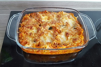 Cremiger Nudelauflauf mit Tomaten und Mozzarella 72
