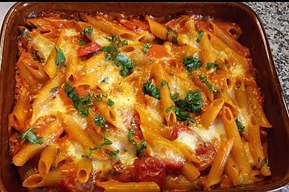 Cremiger Nudelauflauf mit Tomaten und Mozzarella 92