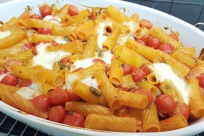Cremiger Nudelauflauf mit Tomaten und Mozzarella 61