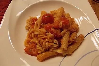 Cremiger Nudelauflauf mit Tomaten und Mozzarella 123