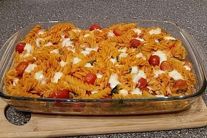 Cremiger Nudelauflauf mit Tomaten und Mozzarella 35