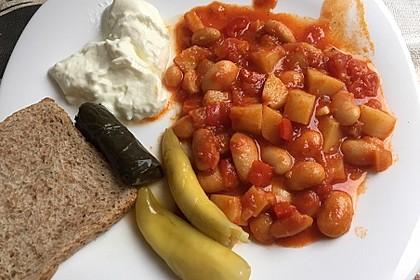 Griechische dicke weiße Bohnen in Tomatensoße 4