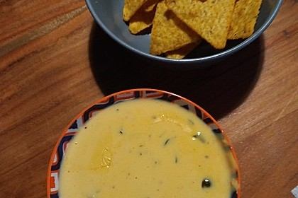 Easy Delicious Chili Cheese Sauce 2