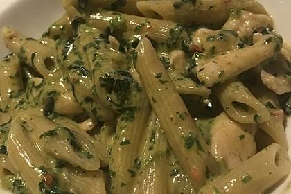 Rigatoni in scharfer Hähnchen-Spinat-Sahne Soße 2