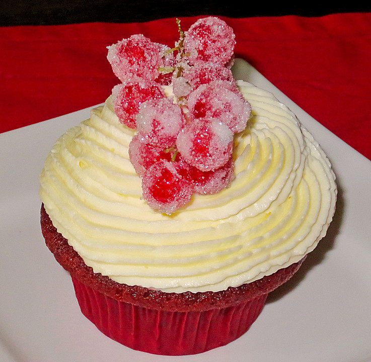 Red Velvet Cupcakes with Cream Cheese Frosting (Rezept mit Bild ...