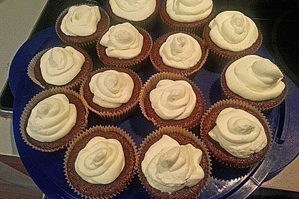 Red Velvet Cupcakes with Cream Cheese Frosting 20