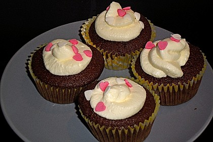 Red Velvet Cupcakes with Cream Cheese Frosting 14