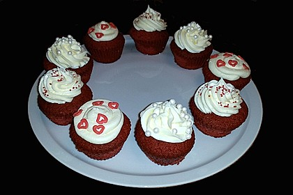 Red Velvet Cupcakes with Cream Cheese Frosting 12