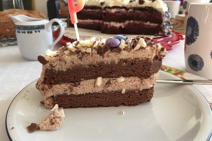 Kinderschokolade-Torte 11